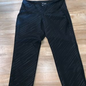 Old Navy Pants - Old Navy activewear Capri